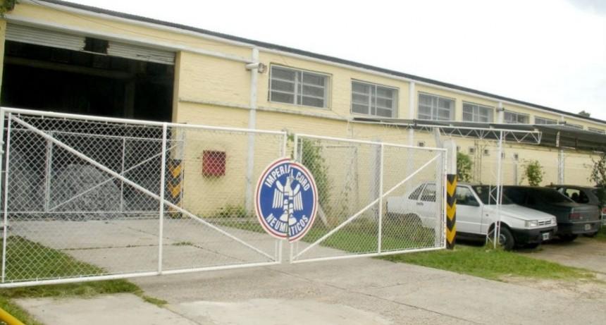 Fábrica de neumáticos cierra su planta en Entre Ríos y 41 empleados quedan en la calle