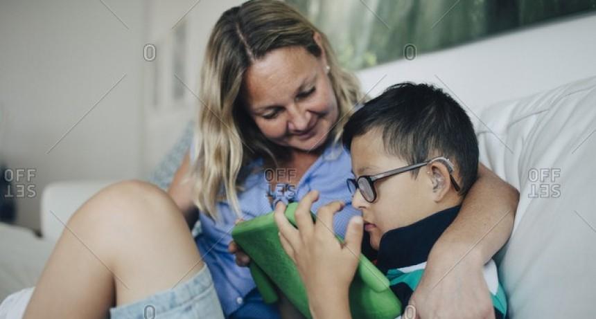 Piden reducir jornada laboral para padres de hijos con discapacidad