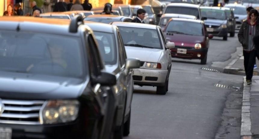 Evalúan medidas para reducir el impacto de una fuerte suba del impuesto automotor