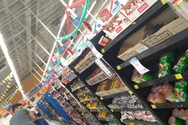Supermercados deberán retirar alimentos ultraprocesados en filas y líneas de cajas