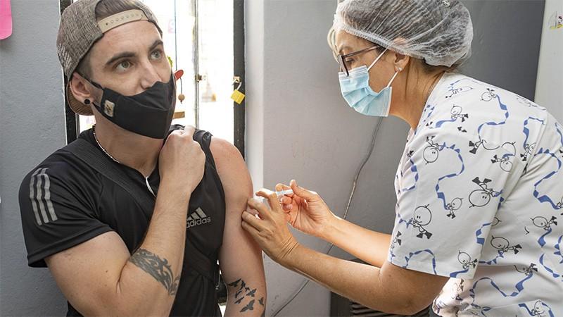 Se ha vacunado cerca del 60 por ciento del personal de salud en Entre Ríos