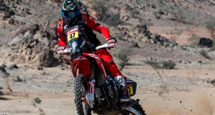 Kevin Benavides ganó la etapa y da pelea en Motos: Andujar, firme en Quads