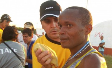 El kenyata Ismael Langat gano la Prueba Atlética Internacional del Chamamé