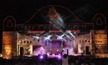 Autoridades provinciales y nacionales en el Festival del Chamamé
