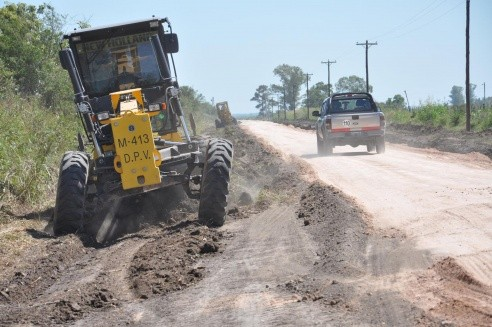 En Diamante, la DPV trabaja en el mantenimiento de los caminos