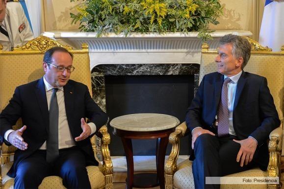 Macri recibió al presidente de Francia, Francoise Hollande y formalizaron convenios