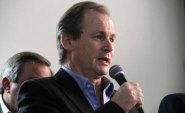 Bordet le  pidió prudencia  los gremios al tratar los porcentajes de recomposición salarial