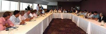 Chapino en reunión con el Ministro Frigerio y el Gobernador Bordet