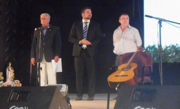 Jorge Heyde expresa su agradecimiento a la Comisión del Festival del Chamamé