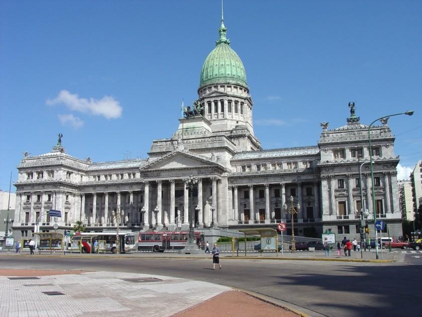 ART: Macri convoca a sesiones extraordinarias
