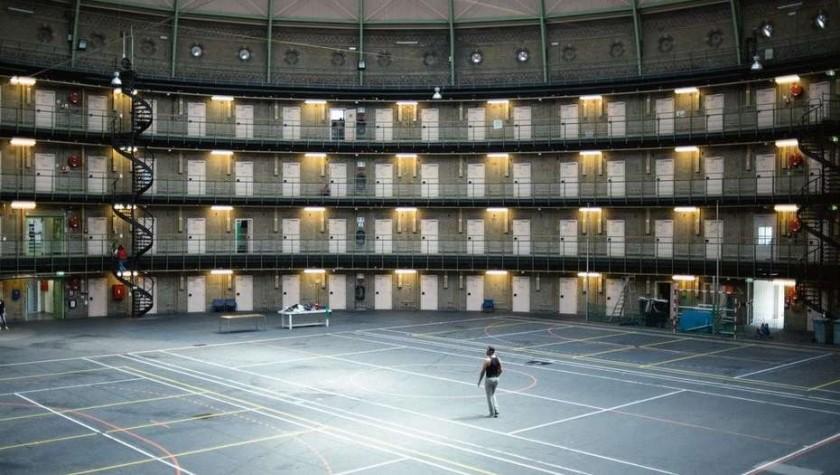 Por falta de presos, Holanda les alquila sus cárceles a otros países
