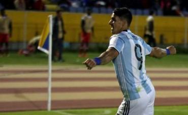 Atlético Tucumán avanzó con un triunfo heroico en Quito