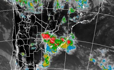 Renuevan alerta por tormentas fuertes con probable caída de granizo