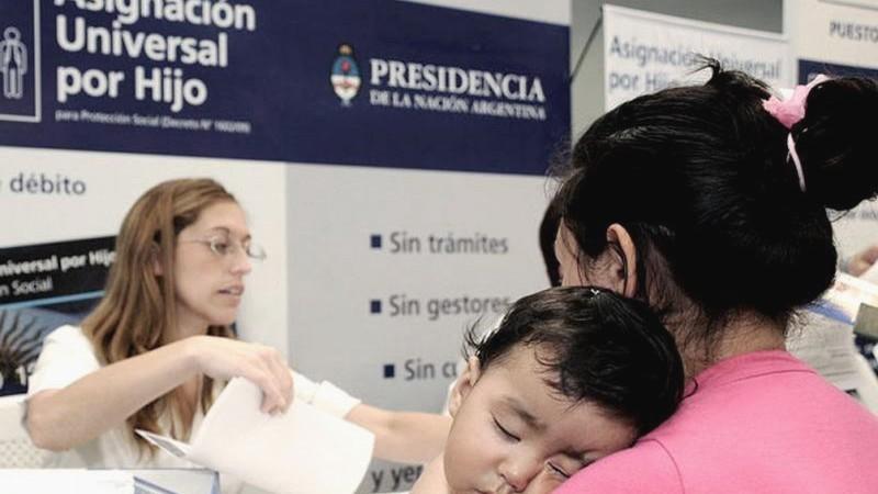 Sumaron a 100.000 beneficiarios de planes por la emergencia social