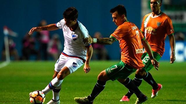 Banfield cayó ante Nacional y no pudo avanzar en la Copa Libertadores
