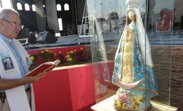 Se entronizo  imagen de la virgen de Itatí en el escenario Ernesto Montiel