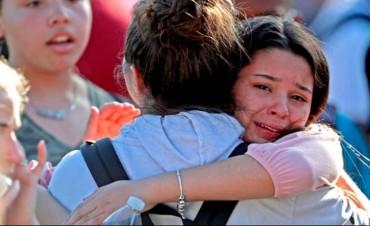 Ascienden a 17 las víctimas fatales en el tiroteo en escuela de EE.UU.