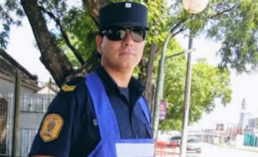El policía que se cansó de las críticas y se volvió viral