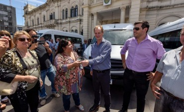 La Escuela Agrotecnica de Federal recibió una Mercedes Benz Sprinter 0 Km