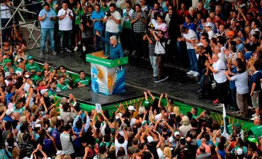 Moyano en la marcha: Pidió al Gobierno terminar con las