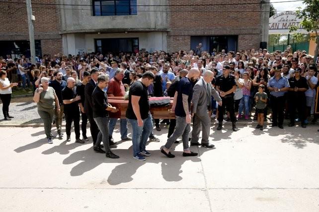 El llanto de todo un pueblo: Progreso dio un emotivo y último adiós a Emiliano Sala