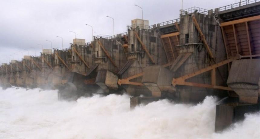 Advierten que si se rompiera la represa de Yaciretá, sería la peor catástrofe de la Argentina
