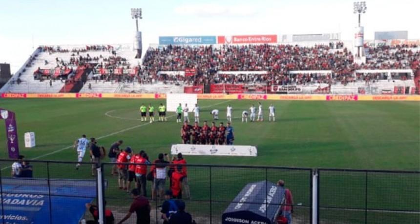 Patronato goleó a Atlético Tucumán y se ilusiona con la permanencia en la Superliga
