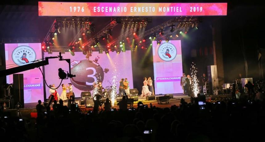 Imponente noche inaugural del Festival Nacional del Chamame en Federal