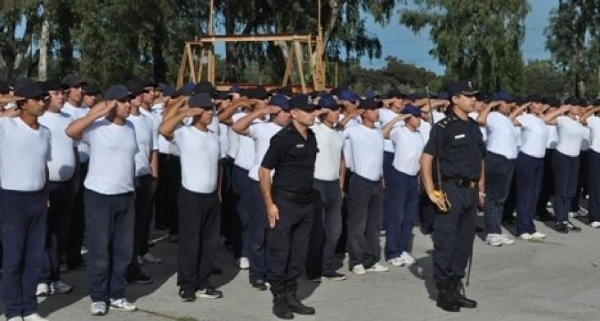 Se Abre la Inscripción para Agentes de Policía Masculino y Femenino.