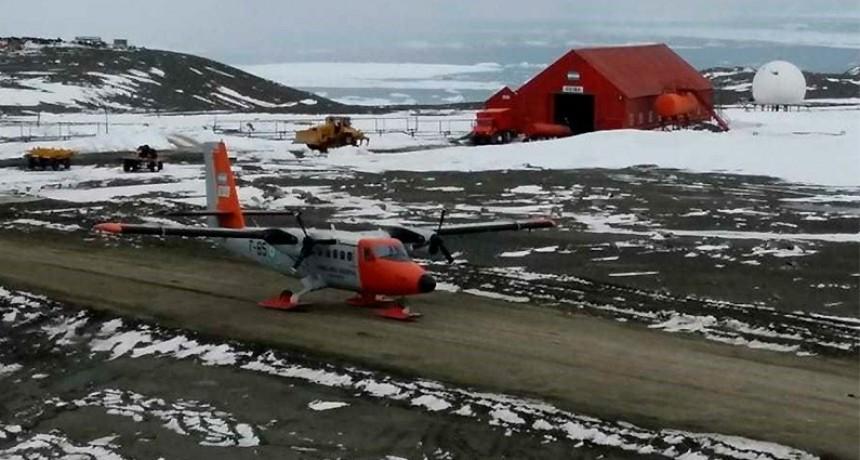 Avión de la Fuerza Aérea llegó a la base argentina más austral de la Antártida