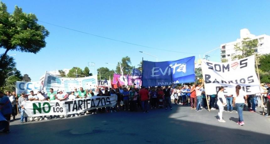 Una multitud marchó contra los tarifazos en Entre Ríos
