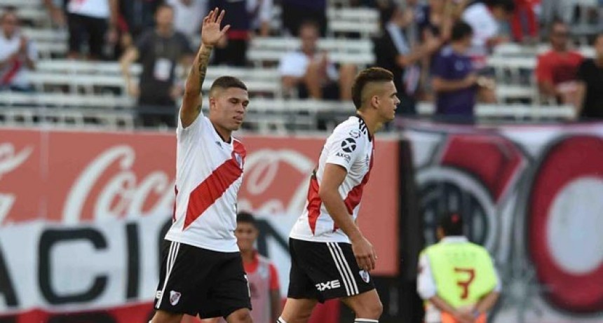 River venció a San Martín de Tucumán y se acercó a los puestos de Libertadores