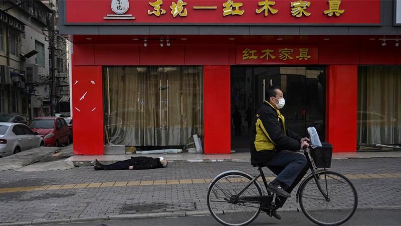 Ya son al menos 811 los muertos por el coronavirus en China