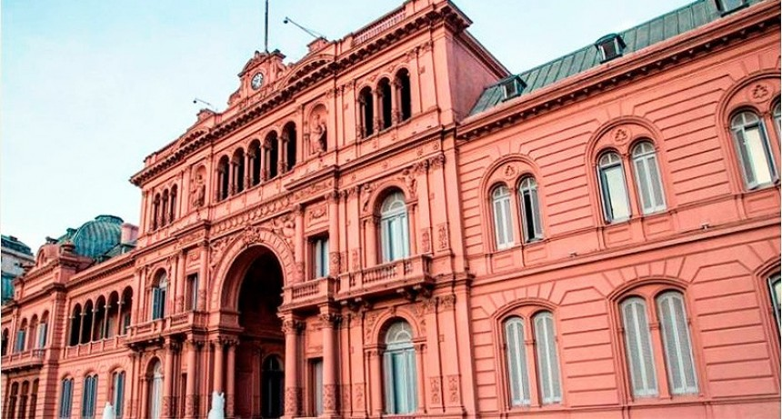 El Gobierno limitó por seis meses designaciones y contrataciones en el Estado