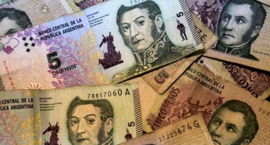Los billetes de 5 pesos llegan a su fin