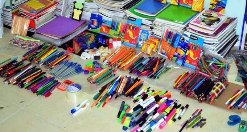 Campaña de recolección de útiles escolares de la JR