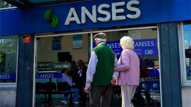 Desde este lunes rige la suba del 8,07% en jubilaciones: cómo quedan los montos