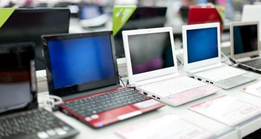 Buscan bajar precios de las notebooks y agilizarán autorizaciones para importar