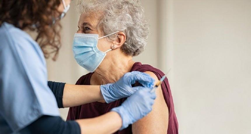 Empiezan a vacunar en geriátricos y a mayores de 70 años de Entre Ríos