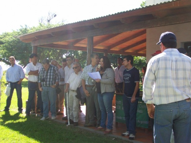 """Jornada Demostrativa y Charlas Técnicas en la Estancia """"El Carayá"""""""