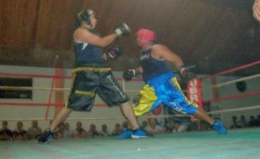 Volvio el Boxeo al Club Talleres con un empate entre