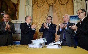 Se conocieron las ofertas para elaborar el proyecto de construcción de Puentes entre Paraná y Santa Fe