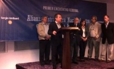 Sergio Urribarri recibió a sindicalistas y empresarios nacionales