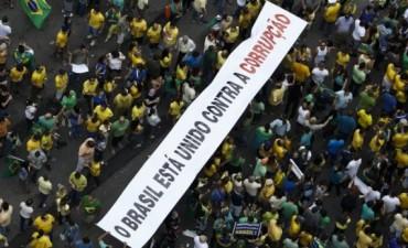 En Brasil, un millón y medio de personas marcharon contra Dilma Rousseff