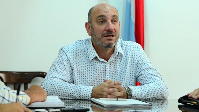 Medicamentos: denuncian al ministro por negociados y él dice que ahorra plata