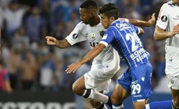 Godoy Cruz arrancó su tercera experiencia en la Libertadores con un empate de local