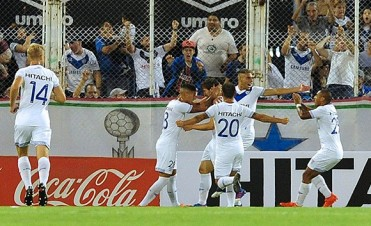 Regresó el fútbol y Vélez logró una gran victoria ante Estudiantes