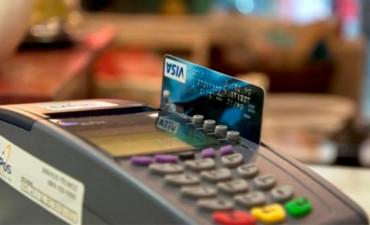 Se firmó el acuerdo para bajar aranceles en tarjetas de crédito y débito