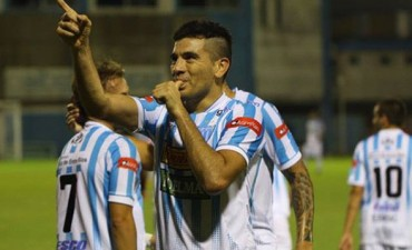Juventud Unida estrenó su sistema lumínico con una goleada ante Douglas