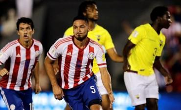 Paraguay se quedó con la victoria frente a Ecuador y sigue en la pelea